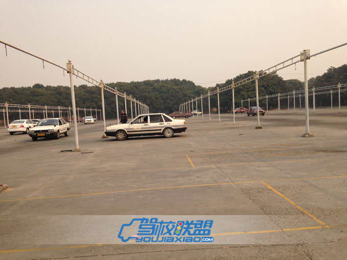 上海万国机动车驾驶员培训中心